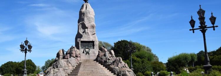 Памятник Русалка в Таллине