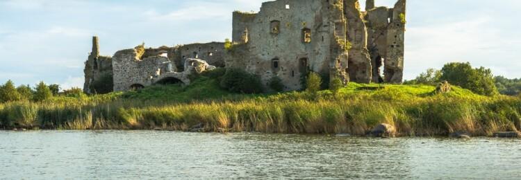 Замок Тоолсе в Эстонии