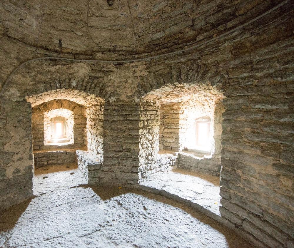 Внутри башни Длинный Герман
