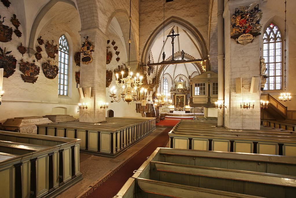 Внутреннее убранство Домского собора в Таллине