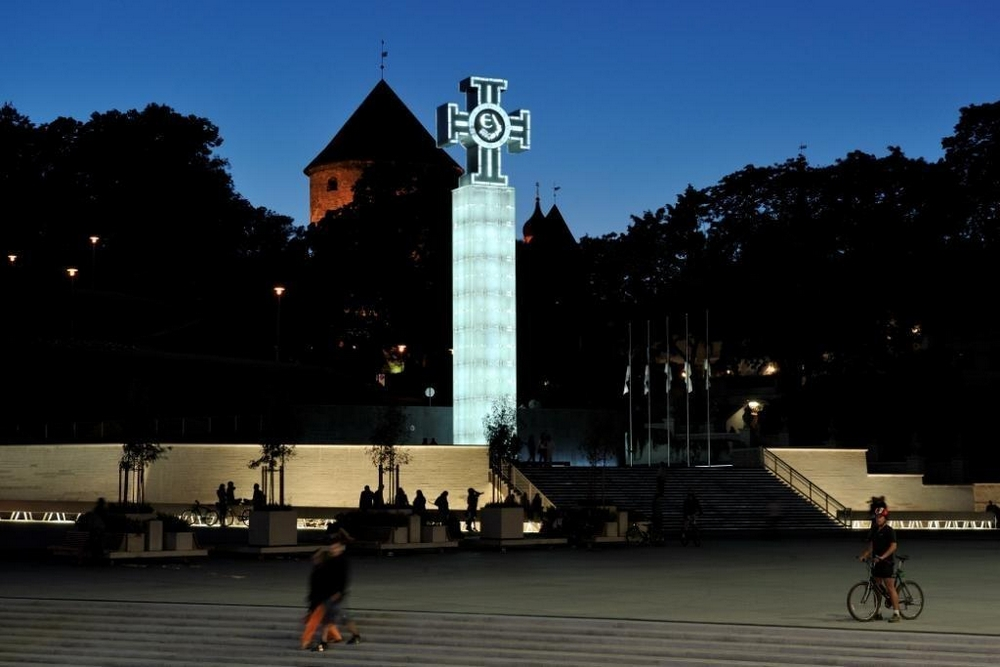Монумент победы в Таллине