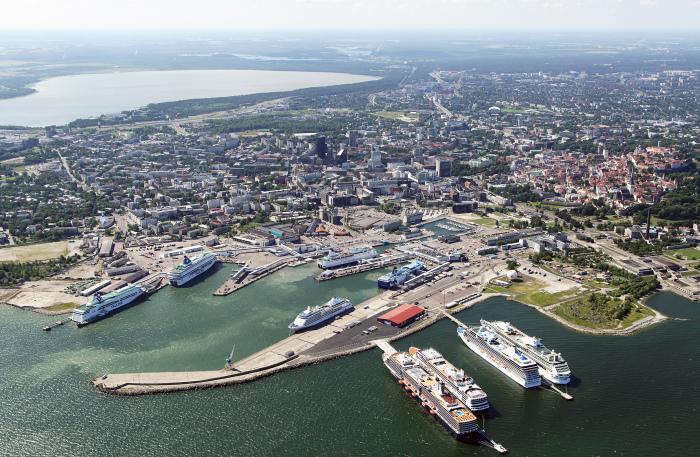 Порт Ванасадам — крупнейший пассажирский порт Эстонии