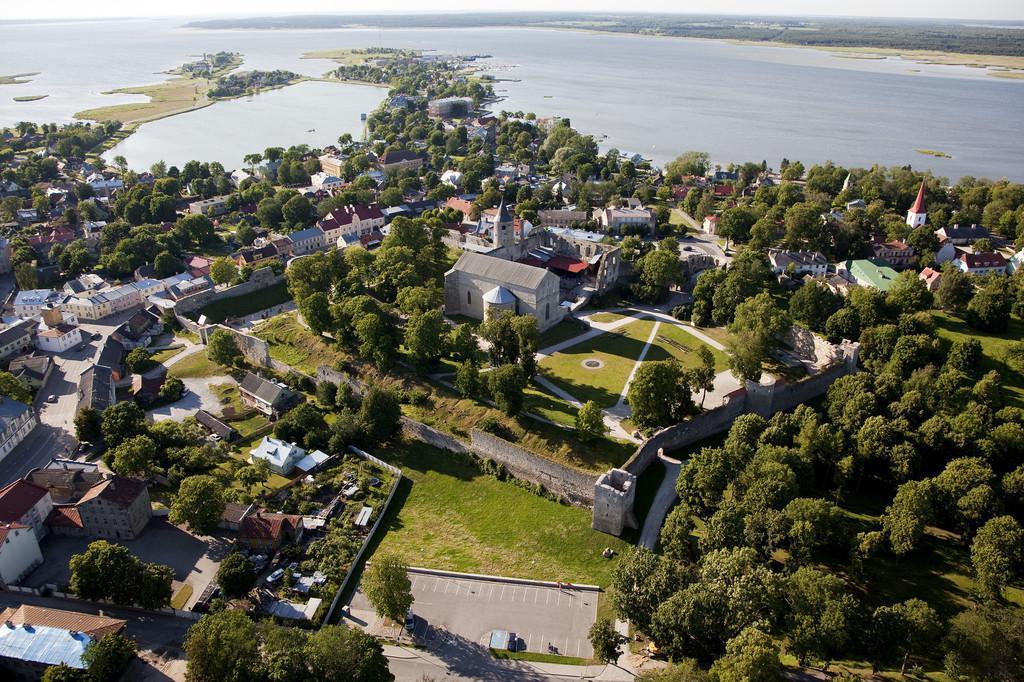 Замок Белой Дамы в Хаапсалу в Эстонии