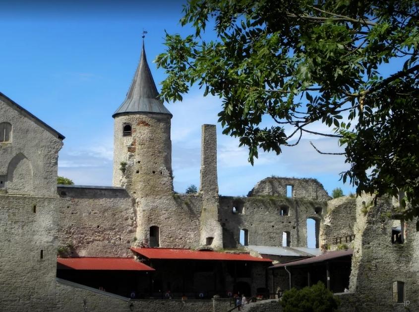 Епископский замок в Хаапсалу, Эстония