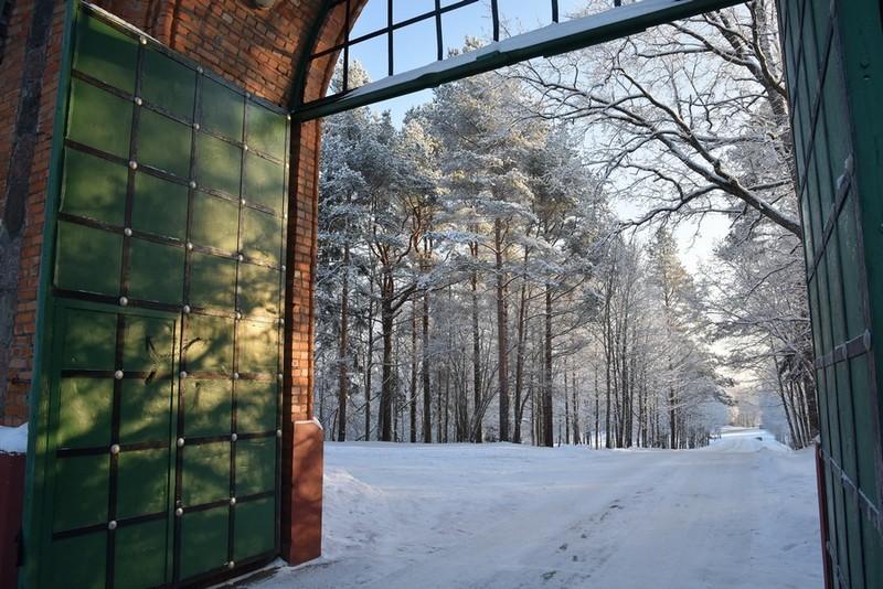 Ворота Пюхтицкого Успенского монастыря