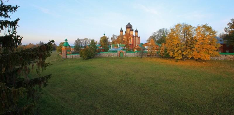 Пюхтицкий монастырь (монастырь в Куремяэ)
