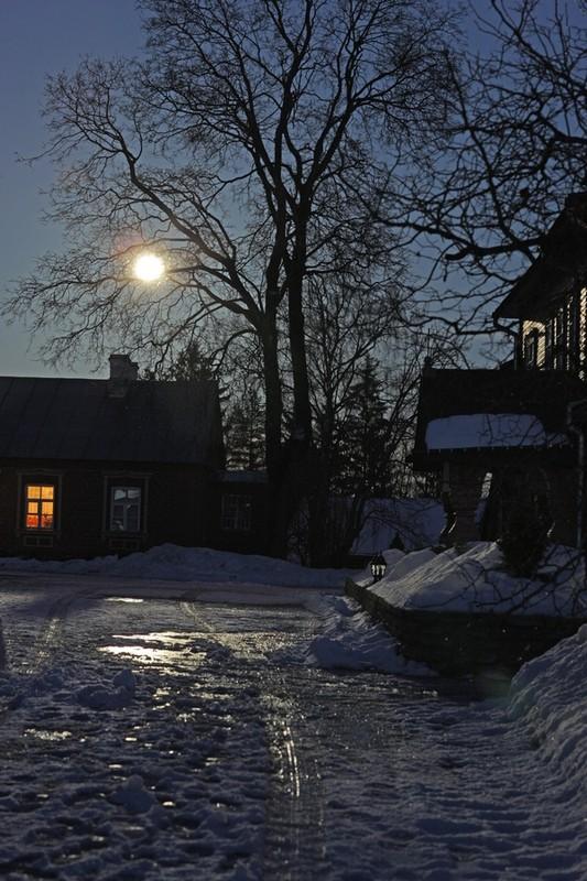 Двор Пюхтинского монастыря