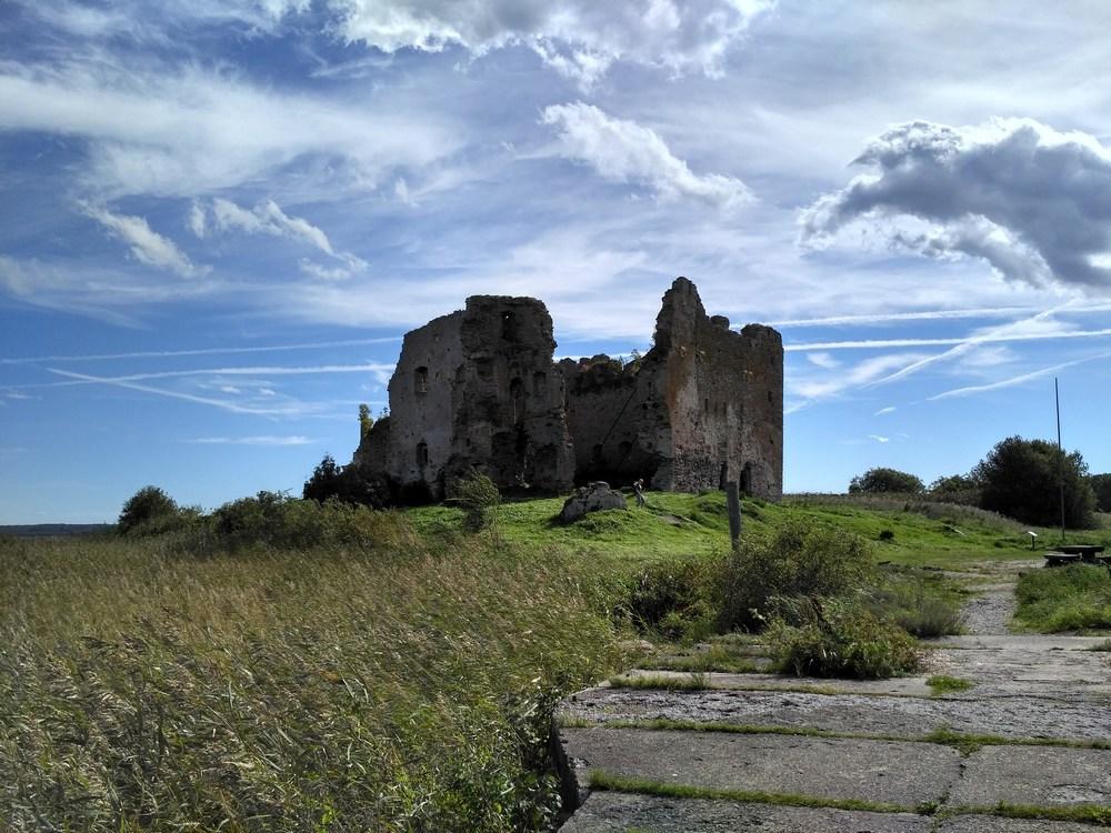 Замок Тоолсе в Эстонии сегодня