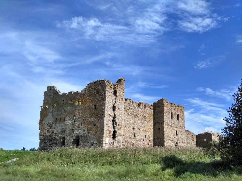 Тоолсе: замок Ливонского ордена в Эстонии