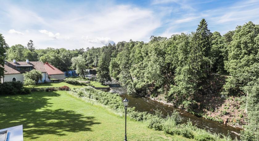 Парк возле замка Фалль, Эстония