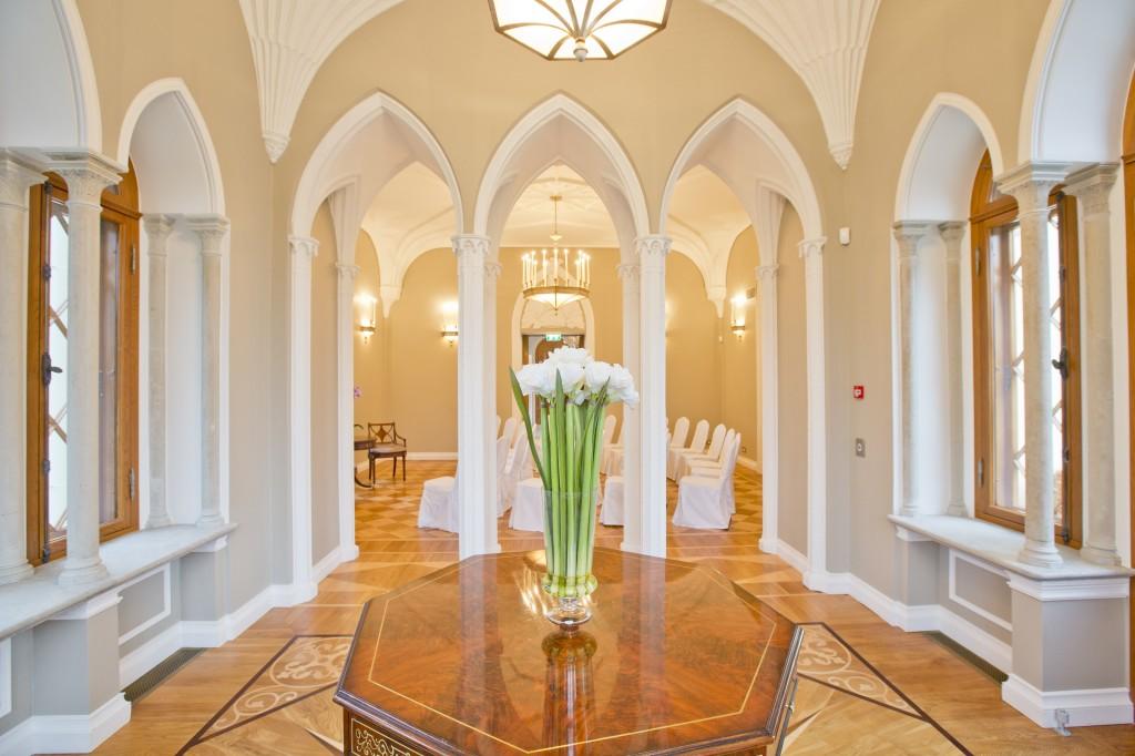 Колонная комната, замок Фалль в Эстонии