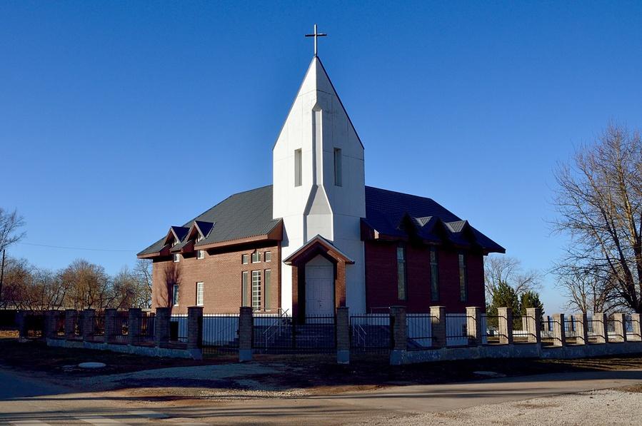 Католический собор святых Адальберта и Георгия