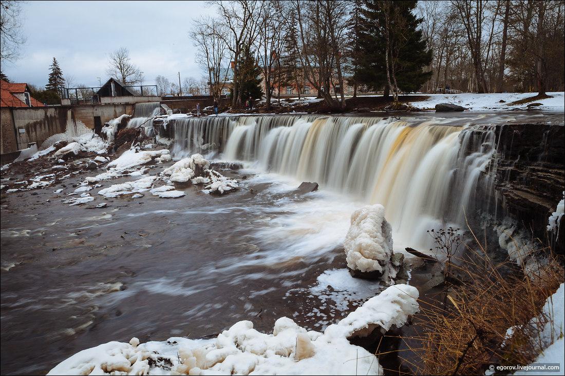 Водопад Кейла Йоа зимой