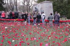 Военное кладбище Таллина и монумент воину-освободителю