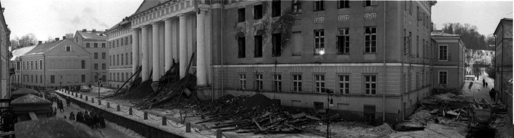 Последствия пожара в здании университета в 1965 году