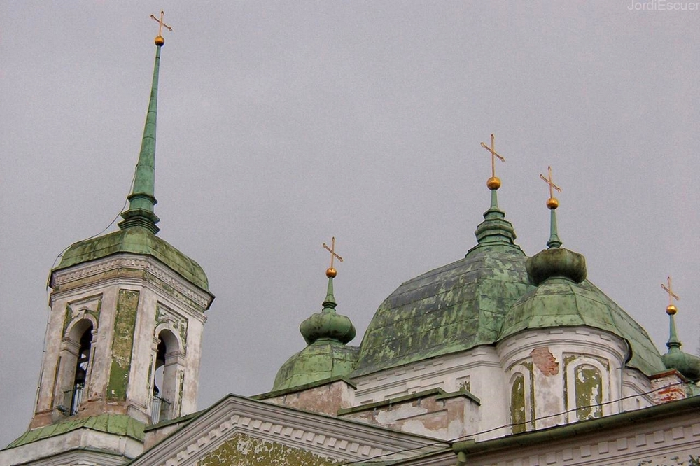 Успенский собор в Тарту: колокольня и купола