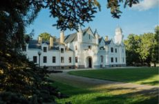 Замок Алатскиви в Эстонии