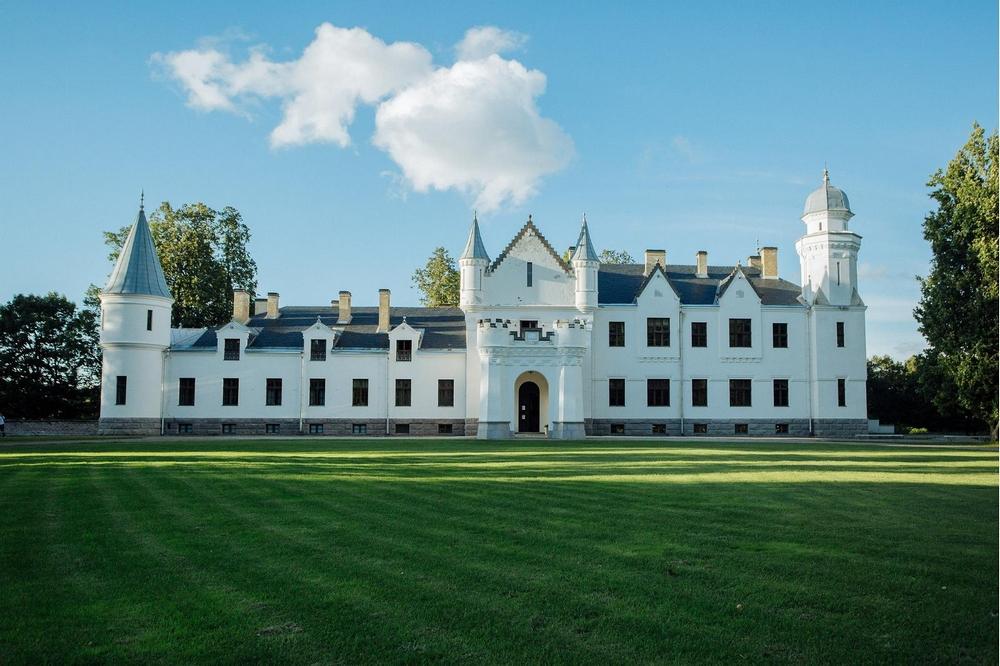 Замок Алатскиви, Эстония