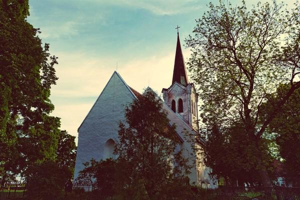 Церковь Святой Девы Марии в Йыэляхтме