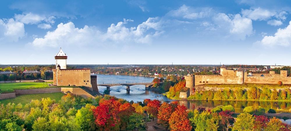 Нарва (Эстония) и Иван-город (Россия)