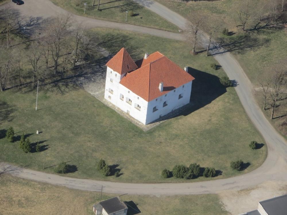 Замок Пуртсе в Эстонии сегодня