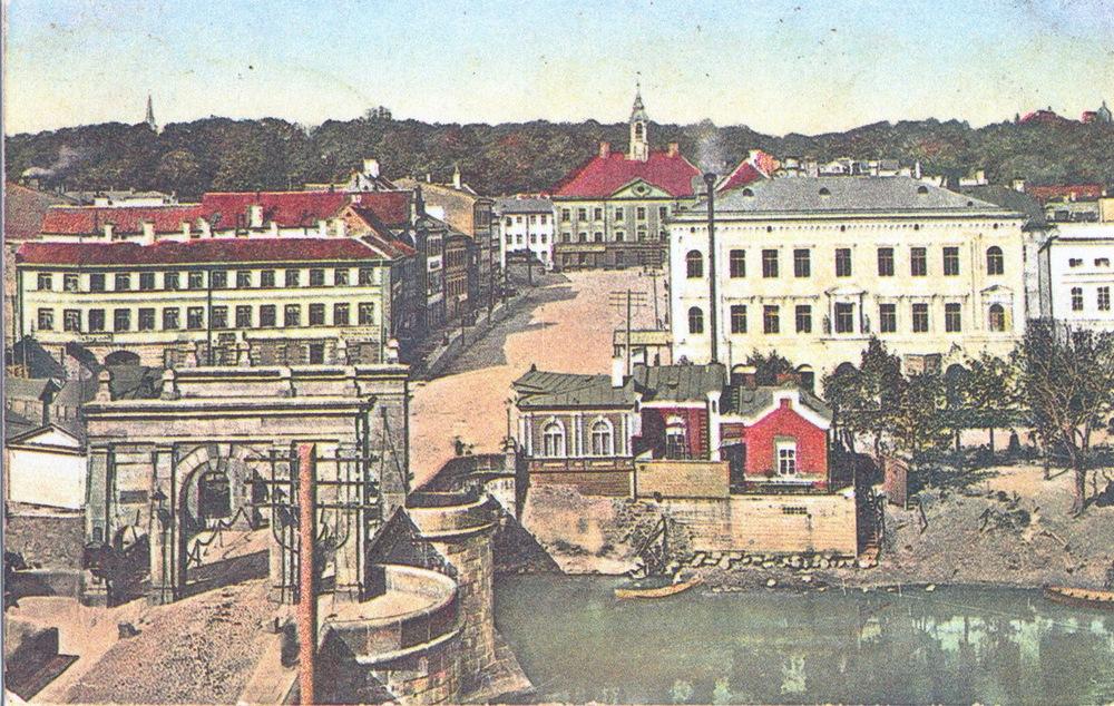 Ратушная площадь и каменный мост, Тарту