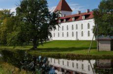 Замок Лоде после последней реставрации, Колувере, Эстония